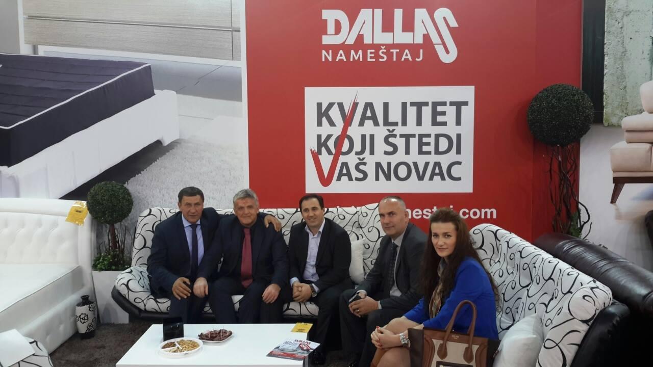 Rukovodsvo opštine Tutin posjetilo naše proizvođače na 53. Sajmu nameštaja i prisustvovali skruglom stolu u organizaciji SIEPA, Beogradskog sajma i USAID-a