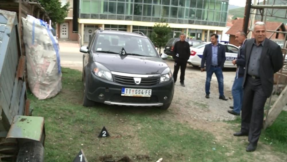 Bačena eksplozivna naprava u  dvorište porodične kuće pomoćnika predsednika opštine Tutin Saliha Hota